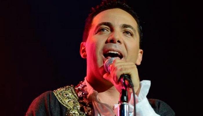 A Cristian Castro le gusta ser 'la Miley Cyrus mexicana'