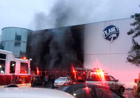 Incendio consume gimnasio en Monterrey