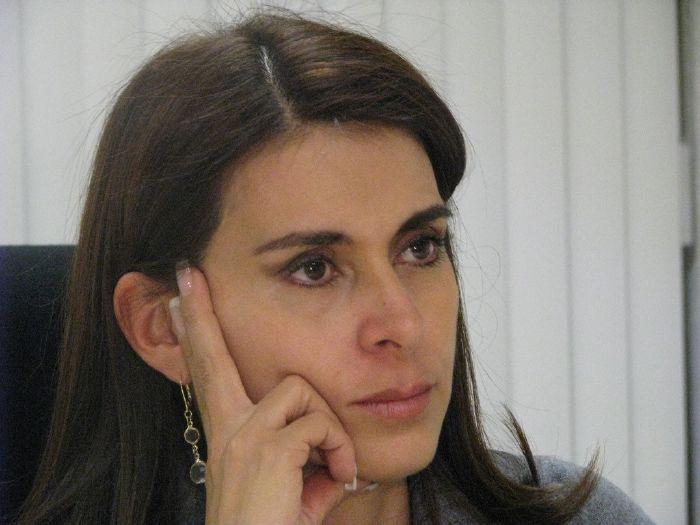 """""""Ni de aquí ni de allá"""" Carolina Viggiano"""