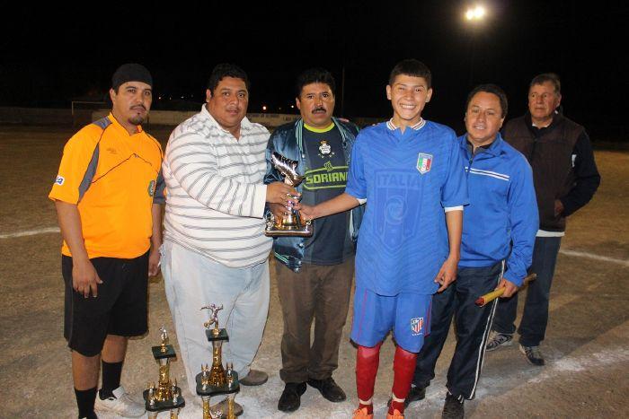 Fomento Deportivo apoya el futbol juvenil en la Villa de Agujita