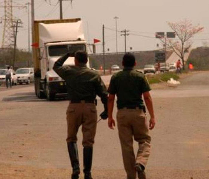 Tránsitos reprobados en examen de control siguen laborando