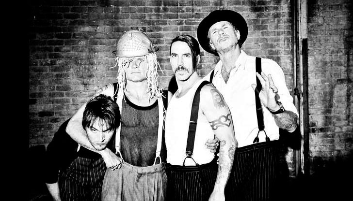 Los Red Hot Chili Peppers trabajan con Danger Mouse