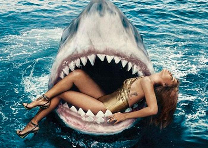 Rihanna se da un chapuzón rodeada de tiburones (video)