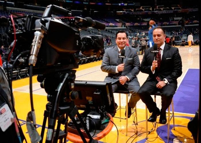 Los Lakers vistos desde adentro por su dúo latino