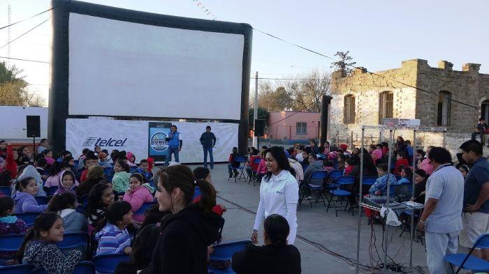 Sabinas: Cine y diversión para los niños y adultos de Cloete y Agujita Coahuila