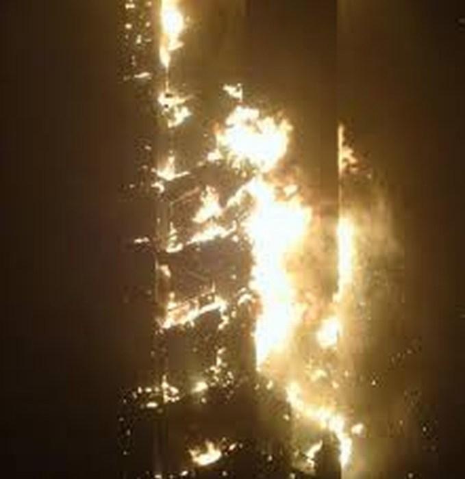 Impactante incendio en rascacielos Marina Torch de Dubai