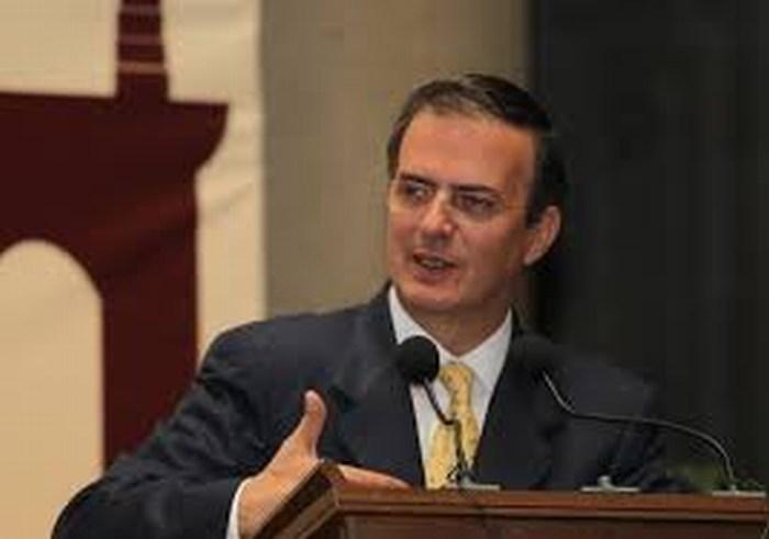 Marcelo Ebrard se va del PRD