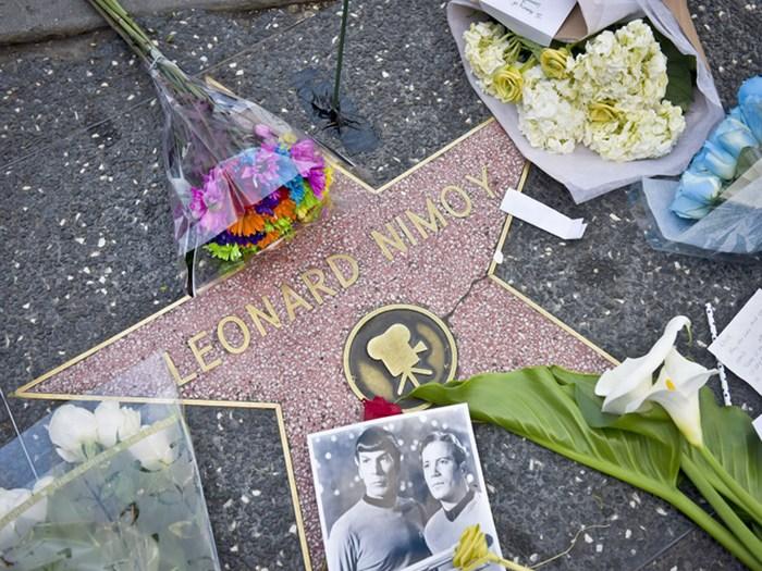 Leonard Nimoy: Fans acuden hasta su estrella en el Paseo de la Fama