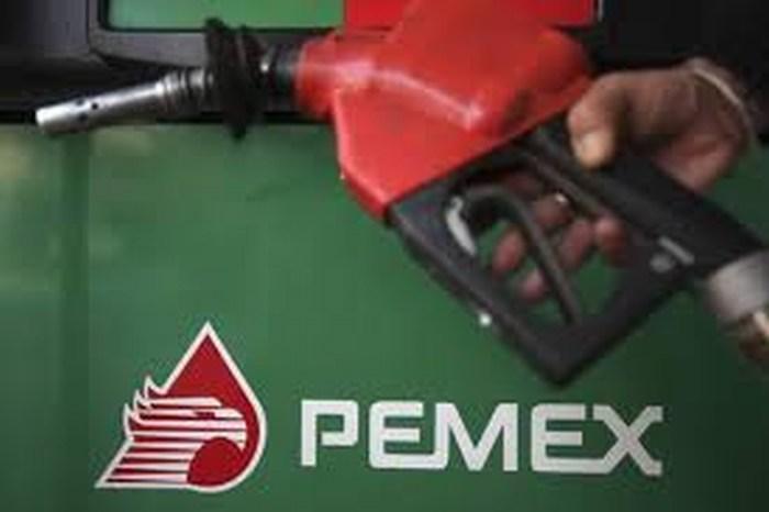 Las pérdidas de Pemex trepan 55% en 2014