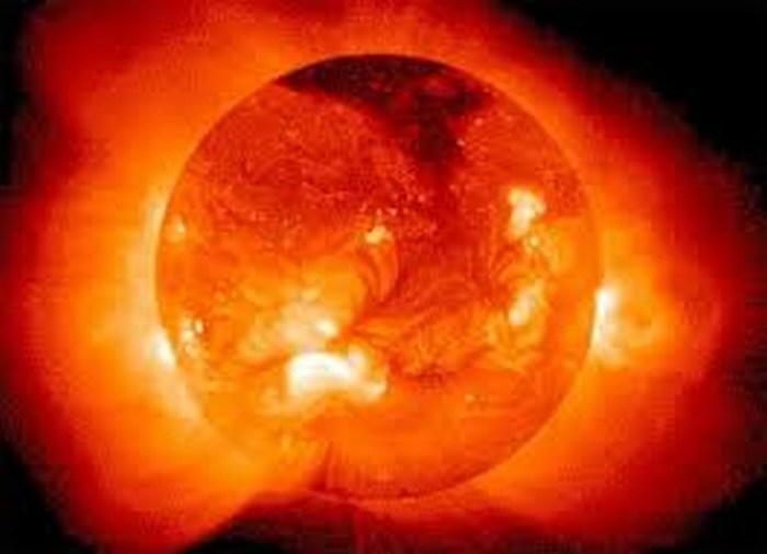 Científicos transforman energía solar en combustible líquido