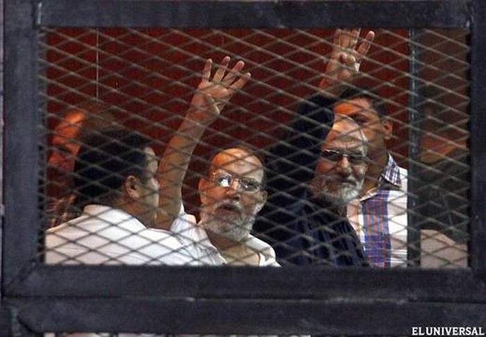 Cadena perpetua para el líder de los Hermanos Musulmanes de Egipto