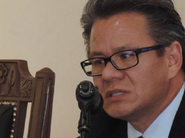 Director de Jurisprudencia  UAdeC goza de buffet de recursos