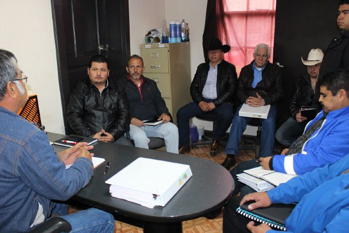 Sabinas: Se reúne Protección Civil con propietarios de Gaseras de la localidad