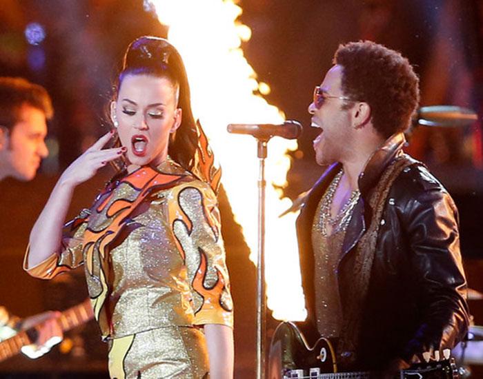 Katy Perry se tatuó su paso por el Super Bowl