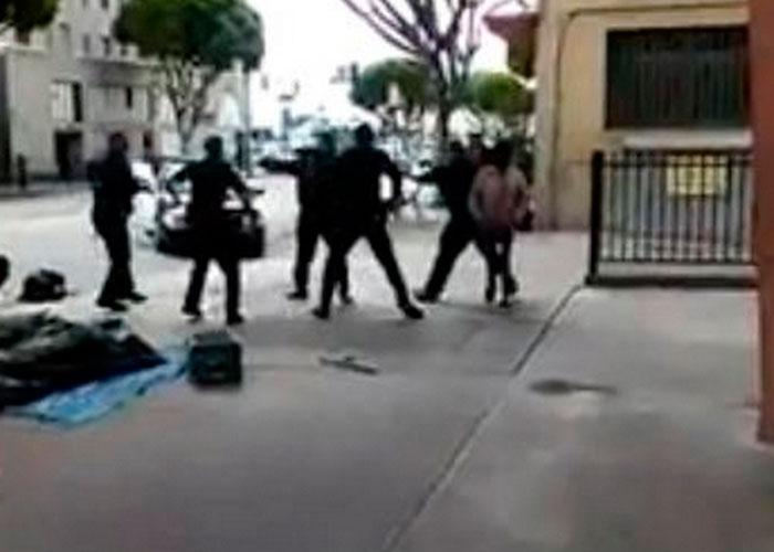 LAPD mata a tiros a un indigente en centro de LA (VIDEO)