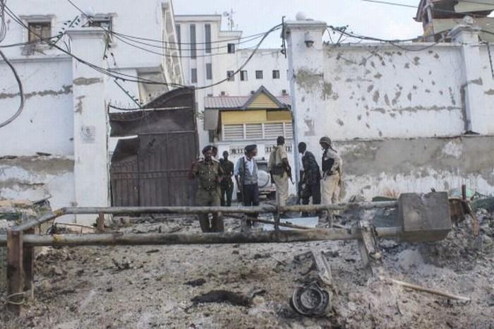 Al menos 17 muertos deja asalto al hotel de Mogadiscio.
