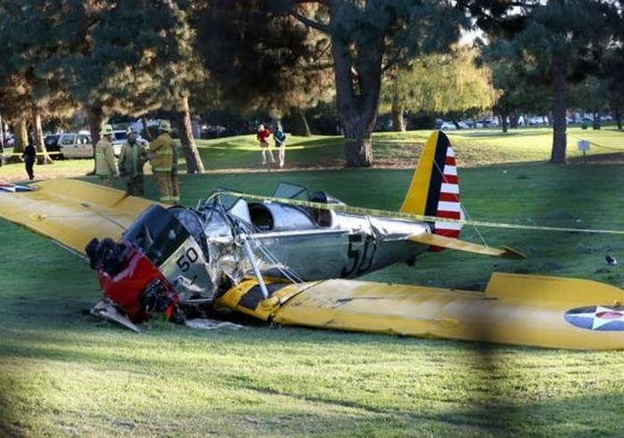 Sobrevive Harrison Ford: a lo 'Indiana Jones' a accidente aéreo