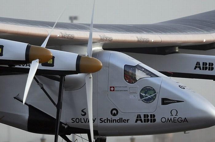 Un avión impulsado por energía solar intentará dar la vuelta al mundo