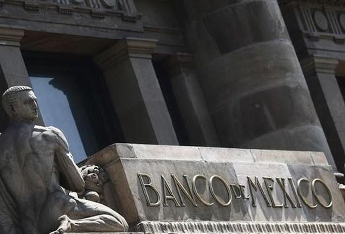 Banxico reduce reservas para restar presión al peso