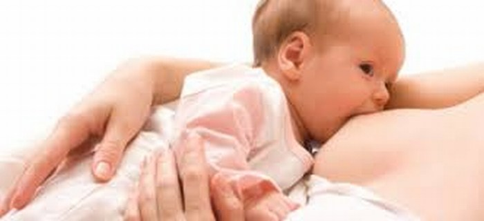 Amamantar mejora coeficiente intelectual del bebé