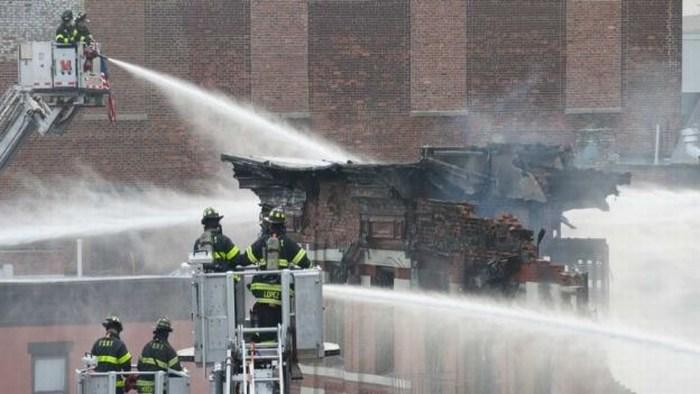 Explosión de gas derribó un edificio en NY; hay 19 heridos