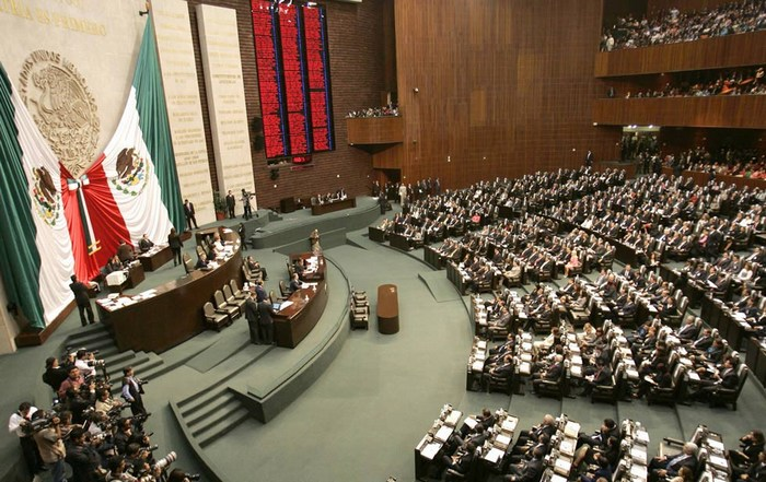 Rezagan a mujeres de cargos políticos en el país
