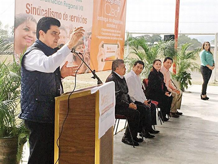 SNTE Tamaulipas entrega celulares