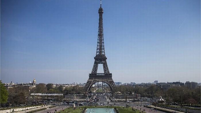 La Torre Eiffel cumple hoy 126 años