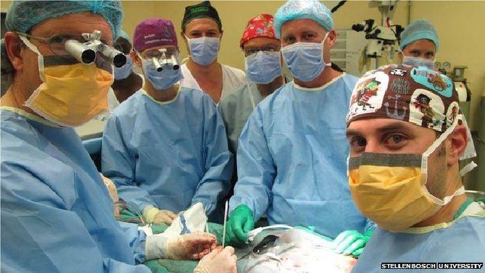 Completan exitosamente el primer trasplante de pene