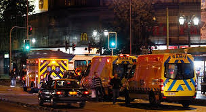 Derrumbe deja tres muertos en concierto de DOOM en Chile
