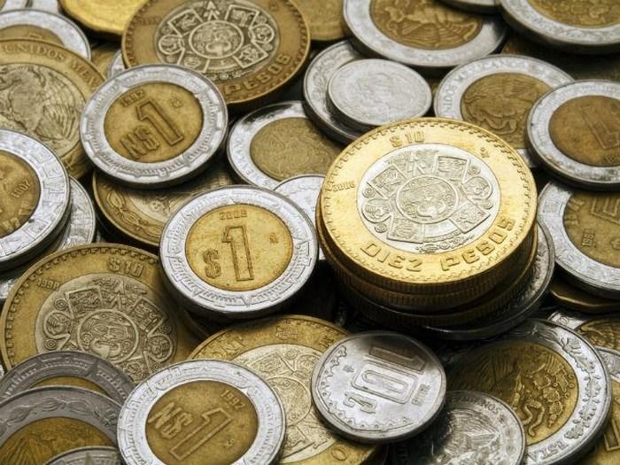 Peso tiene mejor día en más de tres años en mercado interbancario