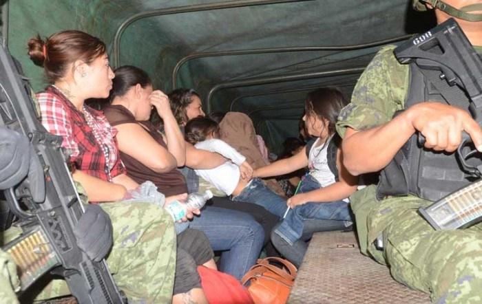 Rescatan a migrantes secuestrados