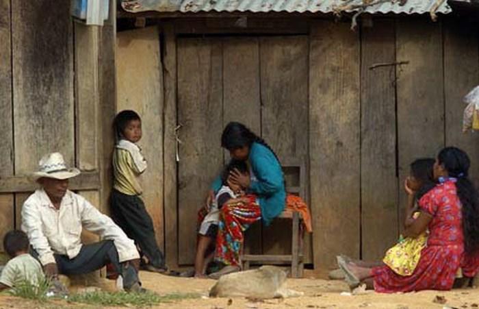 Medio millón de mexicanos más en la pobreza, revela informe