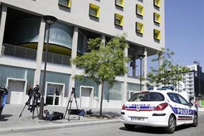 Francia: planeaba atacar una iglesia, se disparó por error, llamó a la ambulancia y terminó preso