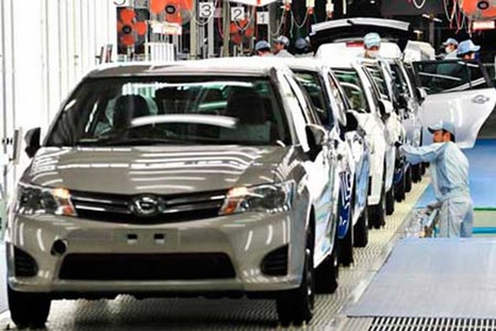 Busca Toyota abaratar costos en México