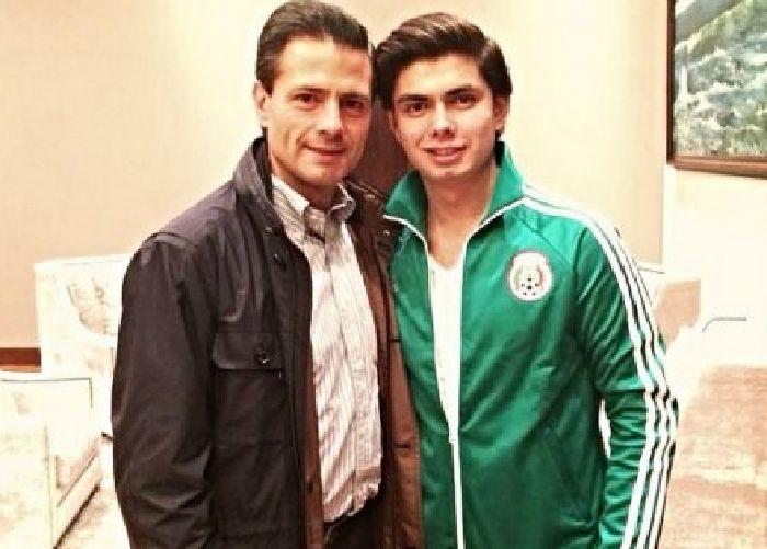 """Hijo de Peña Nieto llama """"dictador ignorante"""" a Nicolás Maduro"""