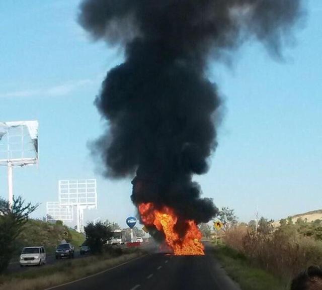 El crimen muestra su fuerza en México arde Jalisco