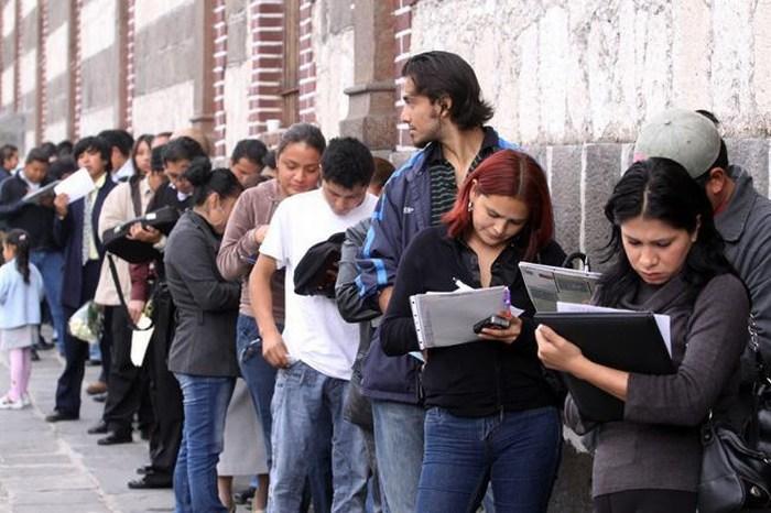Desempleo disminuyó en abril: INEGI