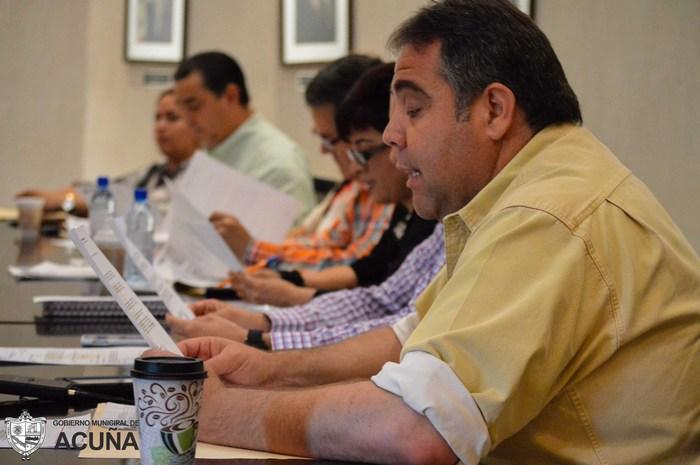 Acuña: Preside Emilio de Hoyos primera sesión de cabildo mayo 2015.