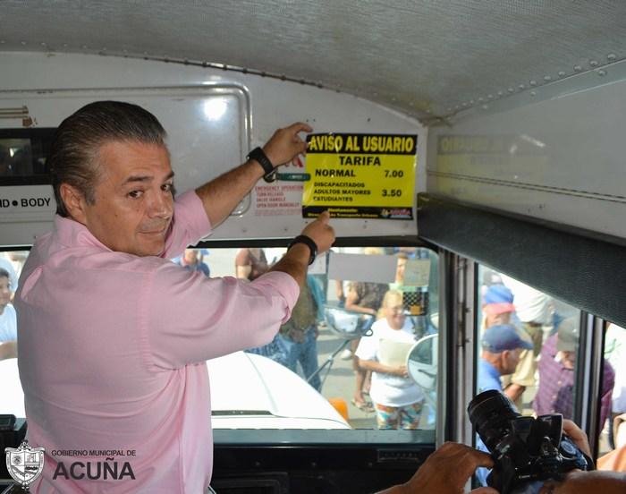 Acuña: Preside Lenin Pérez convenio con transporte colectivo para tarifas especiales.