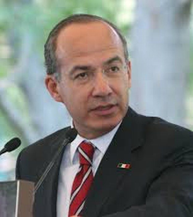 Felipe Calderón hace campaña en apoyo de candidatos PAN.