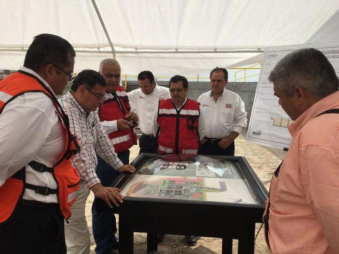 Sabinas: Supervisan avance en planta tratadora de aguas residuales