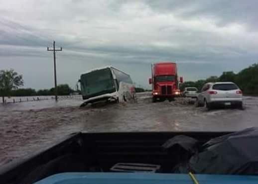 Tromba deja daños y dos heridos en la frontera de Tamaulipas