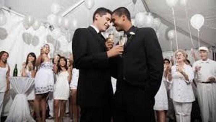 Anuncia Iglesia vigilia contra legalización de bodas gay