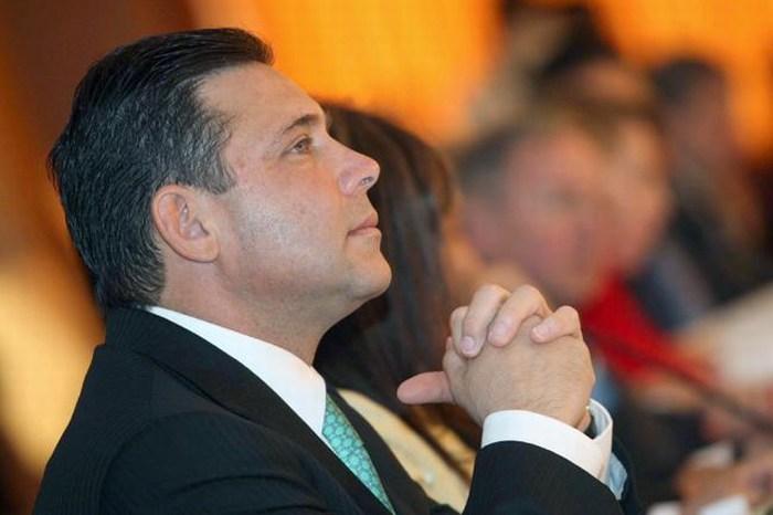 EU gira orden de aprehensión contra ex gobernador de Tamaulipas