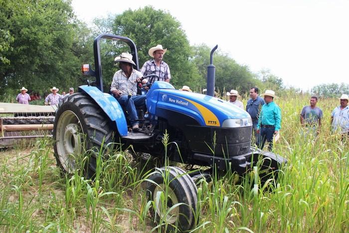Ejidatarios logran gran cosecha de sorgo  con el apoyo del Gobierno Municipal de Sabinas