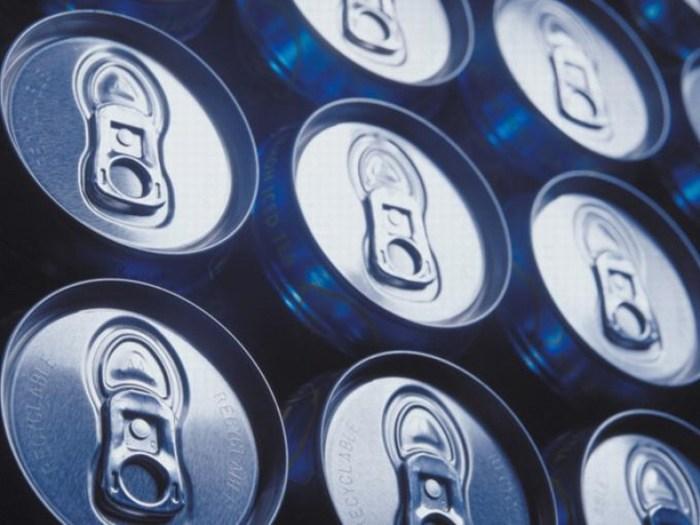 Impuesto al refresco causa 8,800 despidos y no combate obesidad