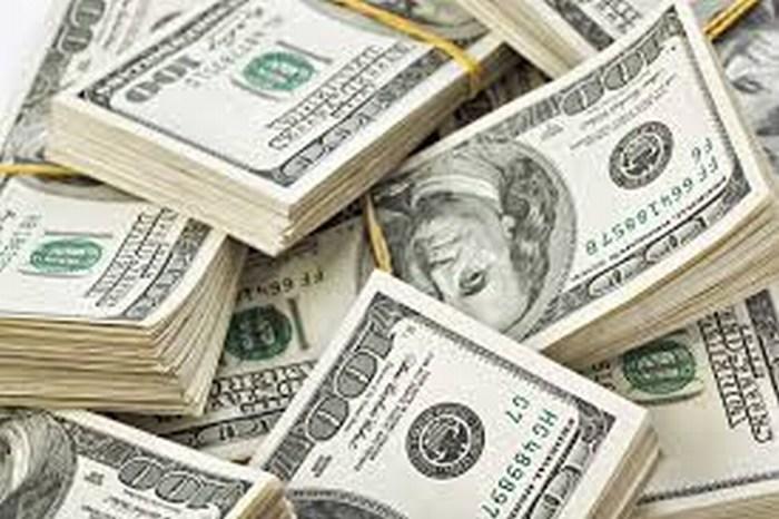 Dólar se vende en 16.14 pesos en bancos