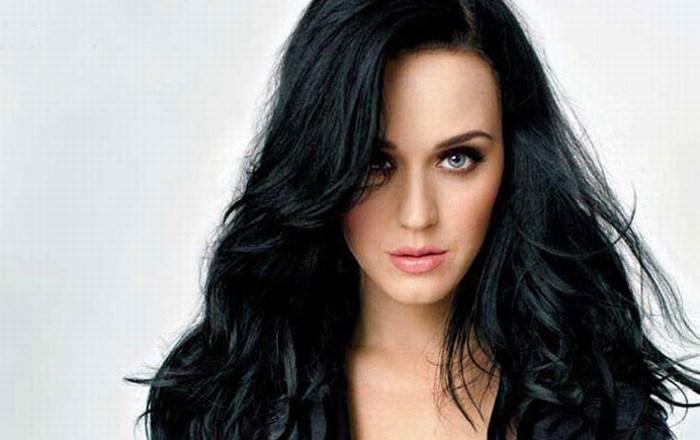 Katy Perry supera a Taylor Swift en ventas