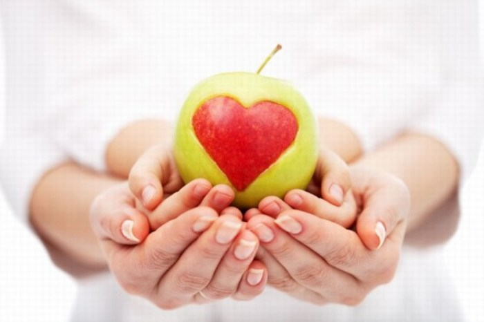 Mejora la salud comiendo una manzana al día